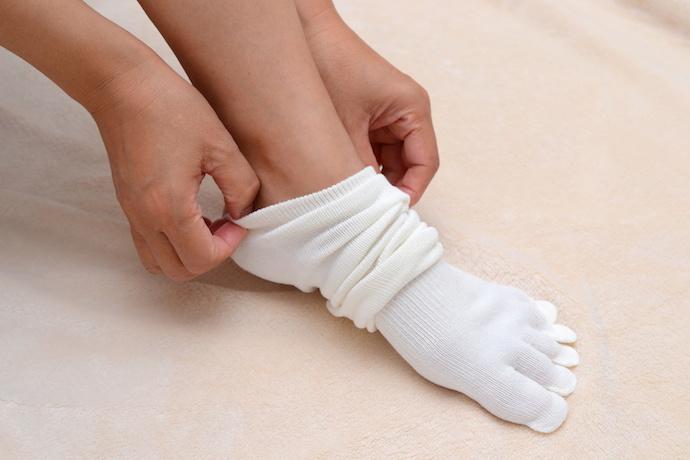 裏 痒い 足 の 手のひら